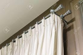 die weißen vorhänge mit ring top schiene vorhang innenausstattung im wohnzimmer