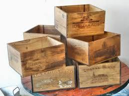caisse a vin en bois charriere de bricolage déco low cost restauration sur