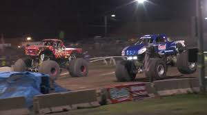 TMBTV ActionTracks MOMENT - BIGFOOT Vs BARBARIAN - Racing Finals ...