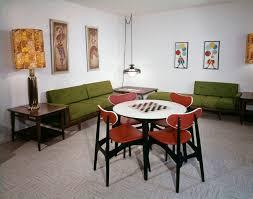 Linoleum Flooring That Looks Like Wood by A Look At Natural Linoleum Flooring