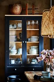 hemnes vitrine mit 3 schubladen schwarzbraun hellbraun