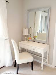 Vanity Ideas For Small Bedrooms by Best 25 Bedroom Makeup Vanity Ideas On Pinterest Vanity Area