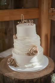 Cool Wedding Cakes For The Rustic