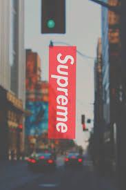 supreme x streets Más