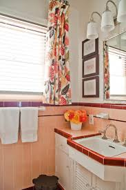 Paint Colors For Bathrooms With Tan Tile by 8 Ways To Spruce Up An Older Bathroom Without Remodeling