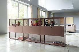 vitrinen aus glas holz und metall schöner wohnen