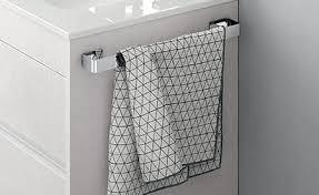 platzsparende badmöbel mit handtuchhalter idfdesign