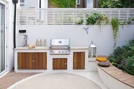 modele de barbecue exterieur barbecue fixe et aménagement d un coin repas