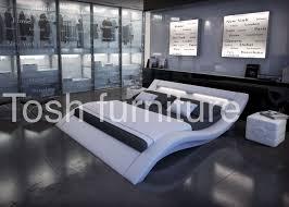 Rishon King Size Modern Design White Leather Platform Bed Also