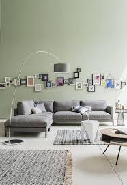 canap cosy un canap d angle gris zinc aux coussins moelleux dans salon cosy