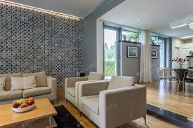 offenes wohnzimmer mit sofa foto bialasiewicz auf envato elements