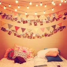 Cant Get Enough Of Festoon And Fairy Lights In The Bedroom Love These With Bunting Too