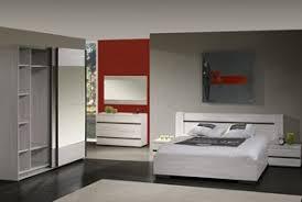 chambre comtemporaine chambre adulte complète contemporaine au style épuré