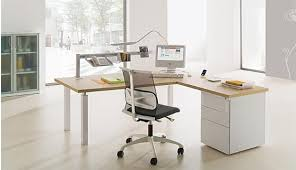 travail en bureau ergonomie mobilier de bureau et poste informatique conseils
