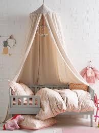 couleur chambre bébé fille couleur chambre bebe fille 6 fille sur ciel de lit
