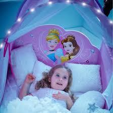 deco chambre princesse disney decoration et mobilier chambre de fille baldaquin lit princesse