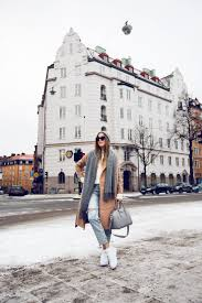 An Oversized Scarf Can Add Style And Sophistication To Your Every Day Look Kenza Zouiten