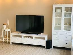 ikea hemnes wohnzimmer tv bank sideboard vitrine beistelltisch