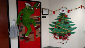 Christmas Classroom Door Decorating Contest by Orlando Holds A Door Decorating Contest Keiser University