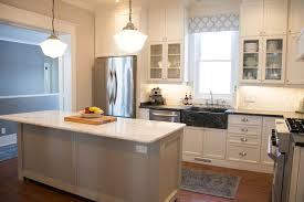 faire une cuisine cuisine comment faire un plan de travail cuisine avec noir couleur