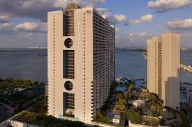 book doubletree by hilton grand hotel biscayne bay miami hotel deals