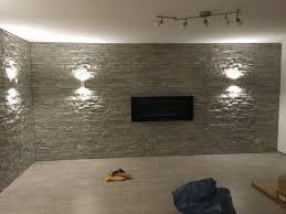 naturstein im wohnzimmer an der wand