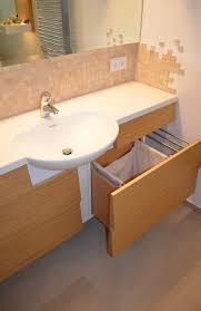 waschtisch mit wäschekorb wohnideen lebedies moderne