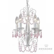 luminaire chambre d enfant chandelier blanc avec accents de cristaux roses