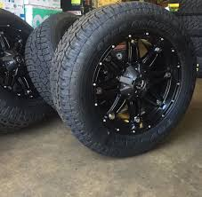 100 33 Inch Truck Tires 20 Fuel D531 Hostage Black Wheels Toyo AT2 5x150 Toyota