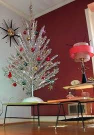 Retro Silver Aluminum Christmas Tree With Mid Century Modern Atomic Sputnik Red Aqua Ornaments