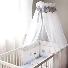 comment mettre un tour de lit bebe ciel de lit moustiquaire bébé bambino gigoteuse