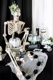 Fake Carvable Plastic Pumpkins by Best 25 Skeleton Pumpkin Ideas On Pinterest Jack Skellington