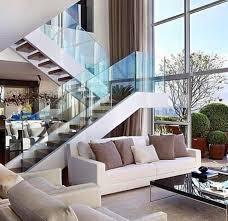 treppe mit glasgeländer für schickes interieur archzine