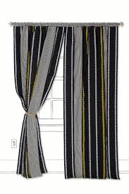 Vertical Striped Window Curtains by Best 25 Stripe Curtains Ideas On Pinterest Black Curtains
