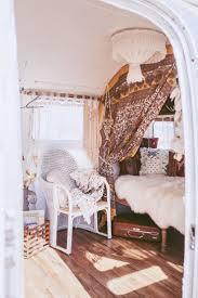 Camper Interior Decorating Ideas by Best 25 Airstream Decor Ideas On Pinterest Airstream Interior