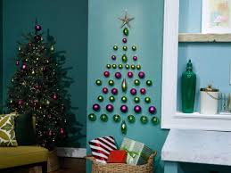 Host Sunny Andersons Wall Tree Made Using 3M Mounting Hooks Is Displayed As Seen On Food Networks The Kitchen Season 11