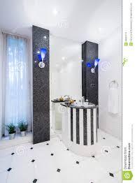 teures badezimmer im reichen leutehaus stockfoto bild