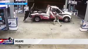 Video Shows How Tow Truck Driver Escaped From Armed Robber 24hr Kissimmee Towing Service Arm Recovery 34607721 West Way Company In Broward County 24 Hours Rarios Roadside Services Tow Truck American Trucking Llc 308 James Bohan Dr Vandalia Oh How You Can Use A Loophole State Law To Beat Towing Fee Santiago Flat Rate Wrecker Classic Stock Photos Trucks Orlando Monster Road