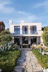 100 Weekend Homes Look Inside A Film Producers Refined Malibu Home