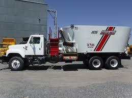 100 Feed Truck 2002 INT W 2017 RotoMix Vertical Mixer Magic