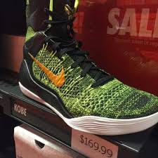 Nike Outlet by Nike Factory 40 Photos 21 Reviews Outlet Stores 3202
