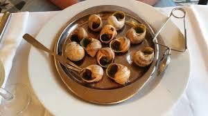 cuisiner les escargots de bourgogne escargots de bourgogne snails baked in their shells with parsley