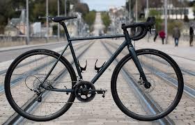 cyfac mise sur des cadres de vélo sur mesure