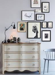 bilderrahmen aufhängen ideen tipps hanging pictures
