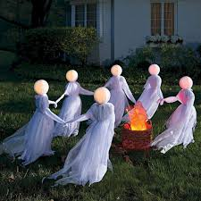 60 DIY Outdoor Halloween Decorations Ideas And Makeover 32