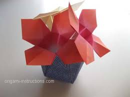 Completed Easy Origami Vase With Flowers