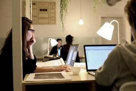 bureau partagé tendance mondiale travailler sans bureau le mode partagé
