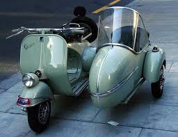 Vintage Vespa With A Side Car Do They Make Cars For The New Vespas