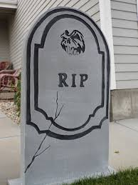 Diy Halloween Wood Tombstones by A Quick Cost Effective Stone That Still Looks Great Tombstones