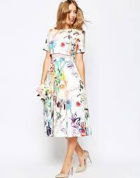 asos wedding crop top midi prom dress in floral print 119 75
